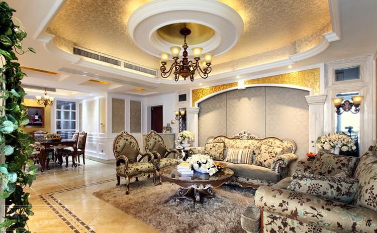 豪华的欧式装修,总是能带给人们意外的惊喜和体验,对于大宅装修来说,很多事情也会因为户型和面积而变得复杂繁琐起来,这会导致很多时候设计和装修上面的遗漏和缺陷,那么500平大户型欧式豪宅装修,要主要哪些事项呢?  注意事项一、室内的布艺家具面料或者是窗帘等最好采用丝质的,会给人一种高贵典雅的感觉,更有欧式风格。
